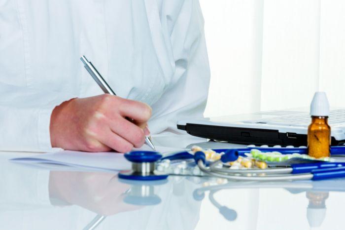 ОНФ предложил Минздраву запретить врачам выписывать БАД
